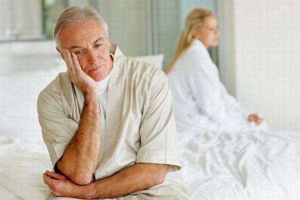 Yếu sinh lý thường xuất hiện ở nam giới tuổi trung niên
